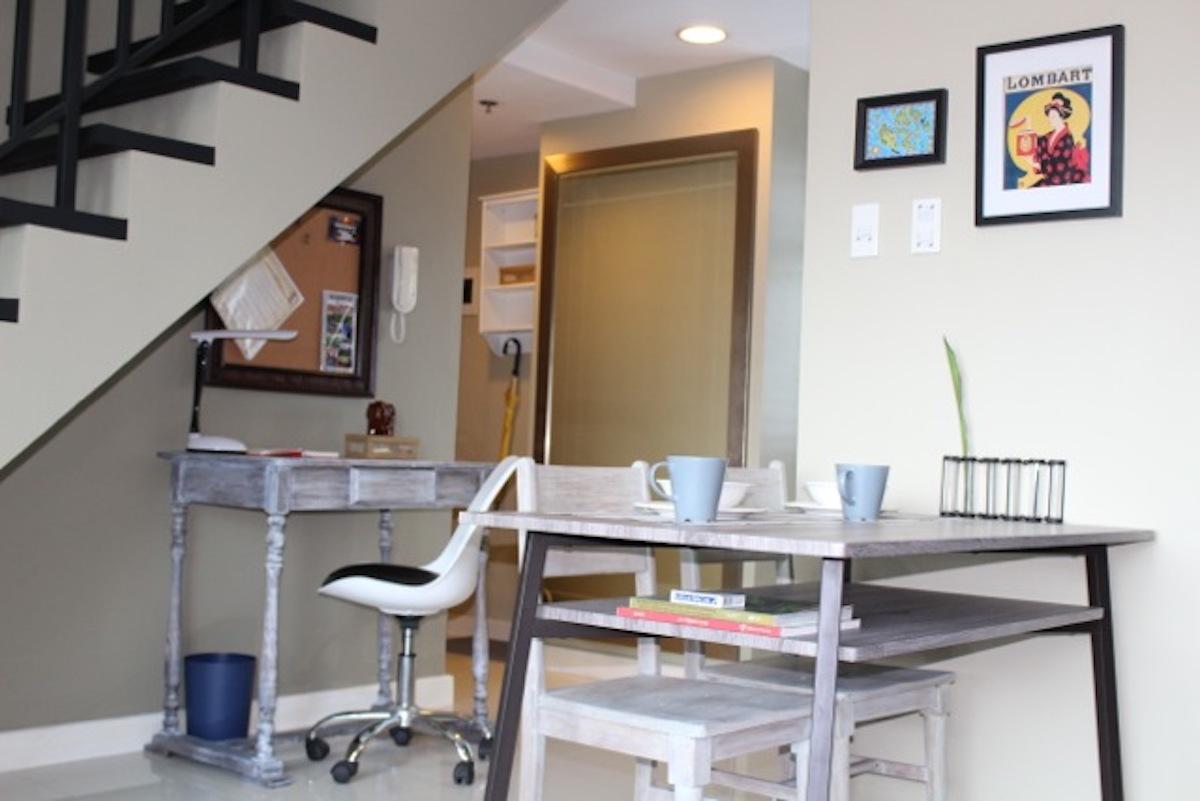 airbnb in Makati auf den Philippinen, Blick auf den Küchentisch